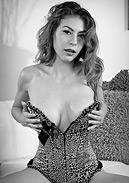 Heather Vahn Glam